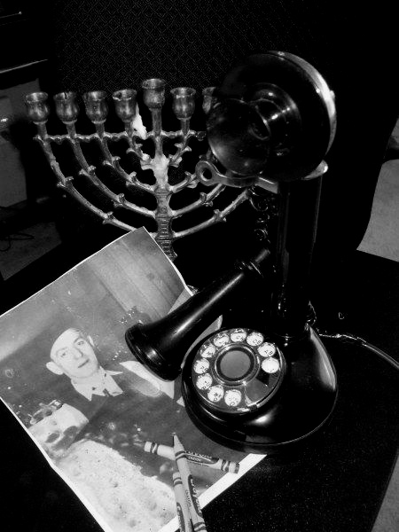 b and w history and phone