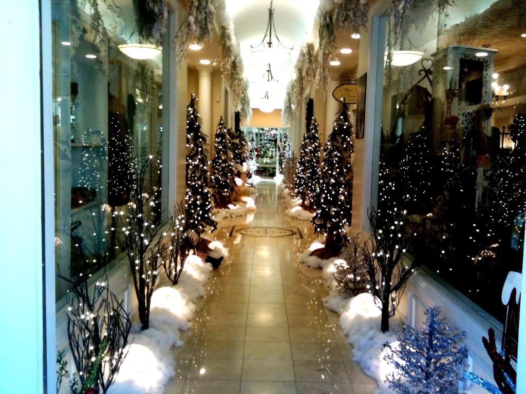 winter alley lights