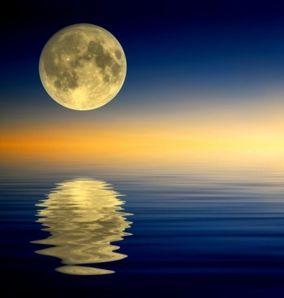 craig-w-clough-rock-island-illinois-full-moon-reflecting-on-water