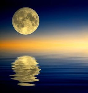 craig-w-clough-rock-island-illinois-full-moon-reflecting-on-water
