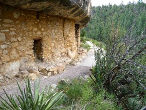 cliff-dwelling-walnut-canyon-national-park-service1