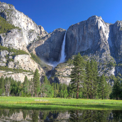 tn-CF-Yosemite-Falls-Reflection-Spring