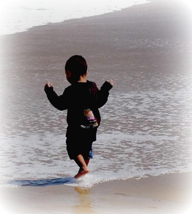 boy-in-surf